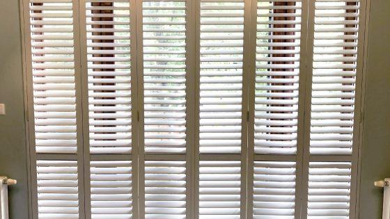 shuttersy, przykład realizacji z użyciem okiennic dekoracyjnych